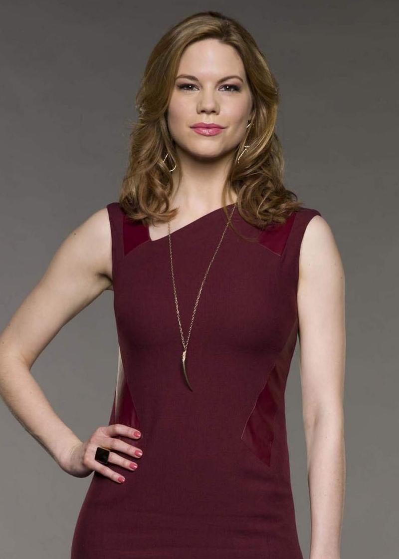 Mariana Klaveno as Peri Westmore TV Series: Devious Maids Sidereal Astrology Reading Celebrity Actors