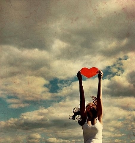 amor,girl,heart,sky,love,wind-b039afef3c0e1a12235347b8906c6b21_h_large